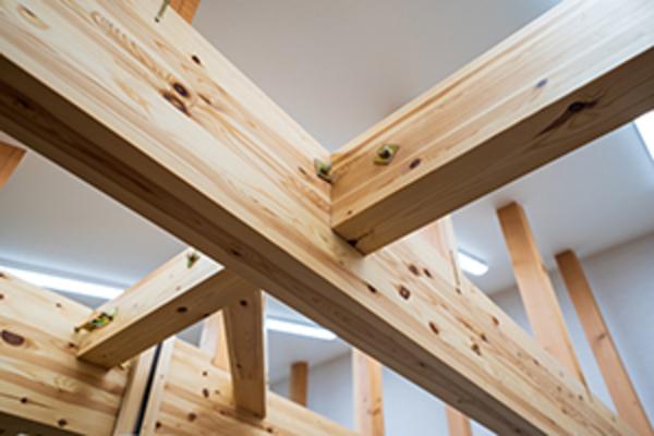 制震工事で家の何が変わる? 制震装置取り付けの流れとその効果サムネイル